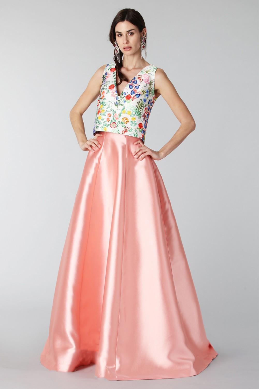 Completo gonna rosa e top floreale in seta