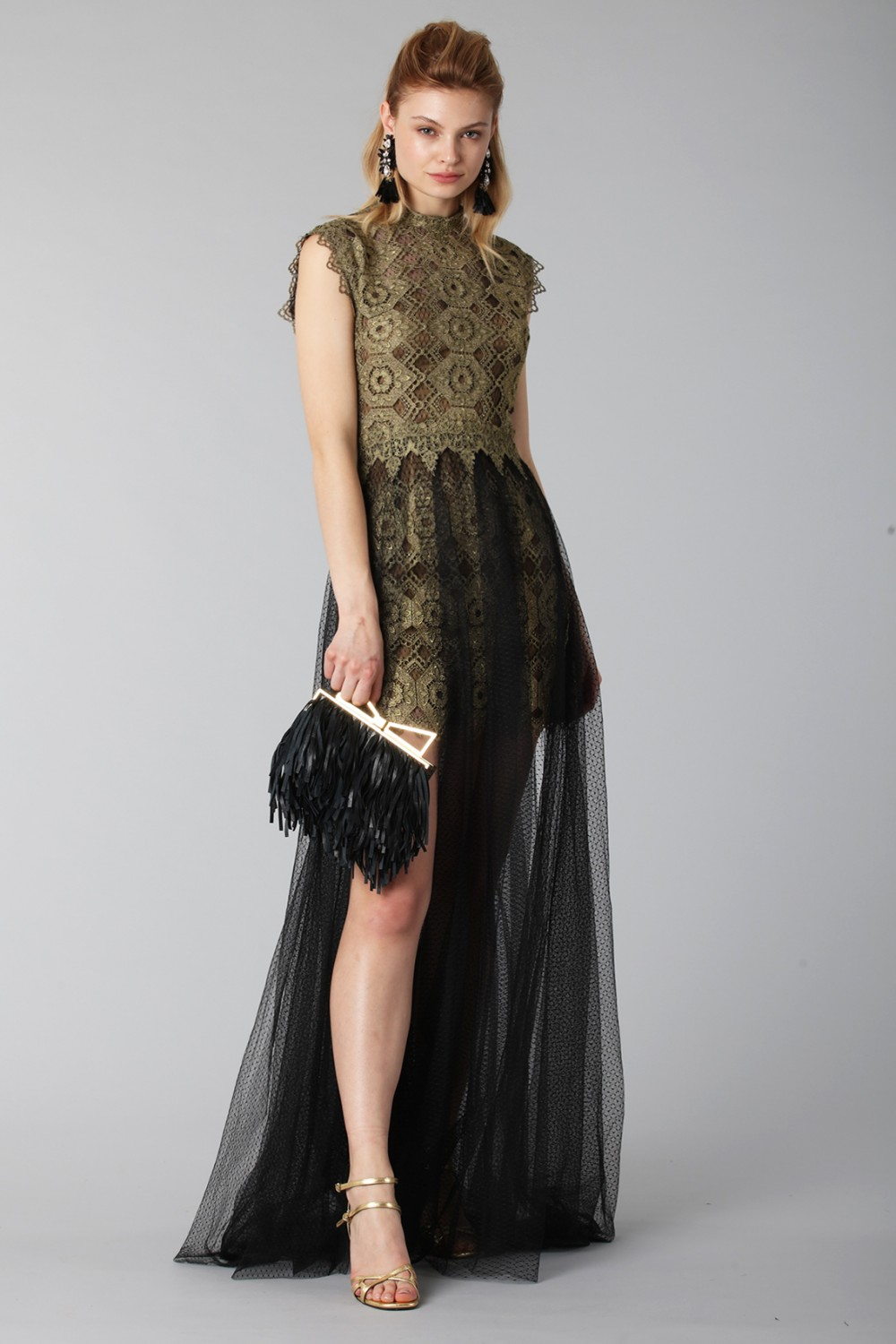 Abito in pizzo con gonna in tulle