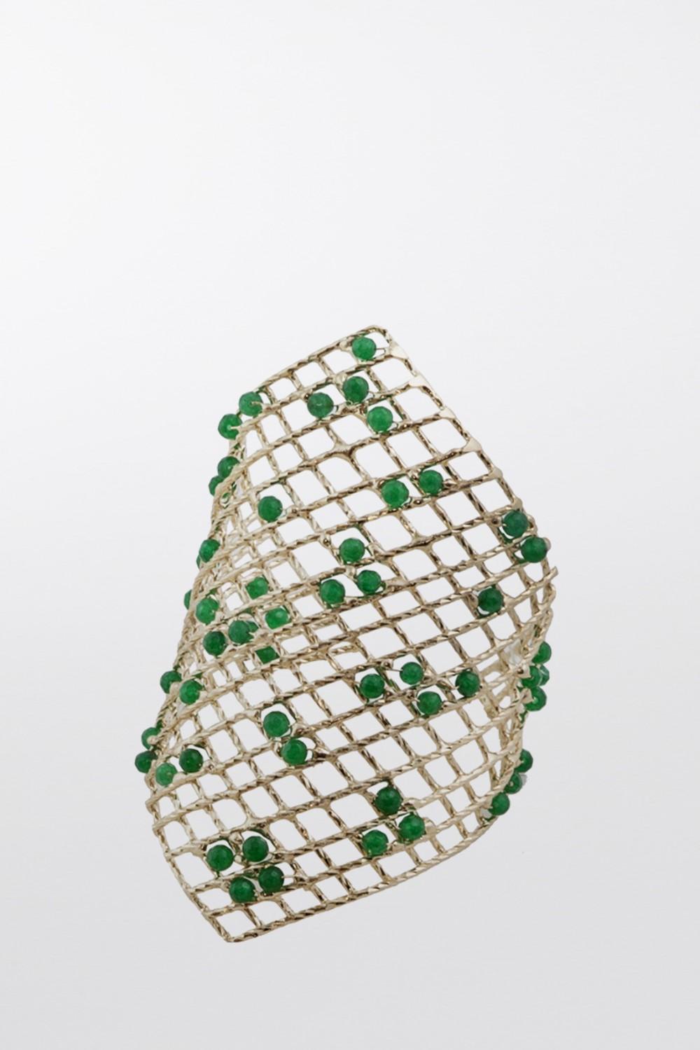 Bracciale rigido con quarzi verdi incastonati