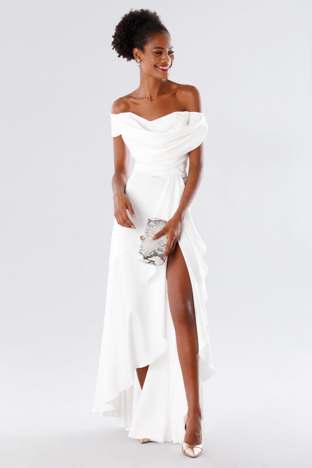 Abito da sposa off shoulder in satin