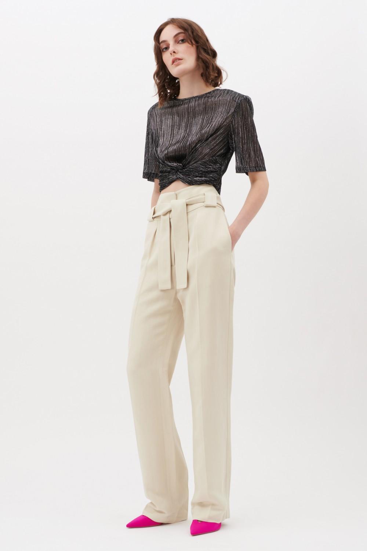 Completo crop top e pantaloni