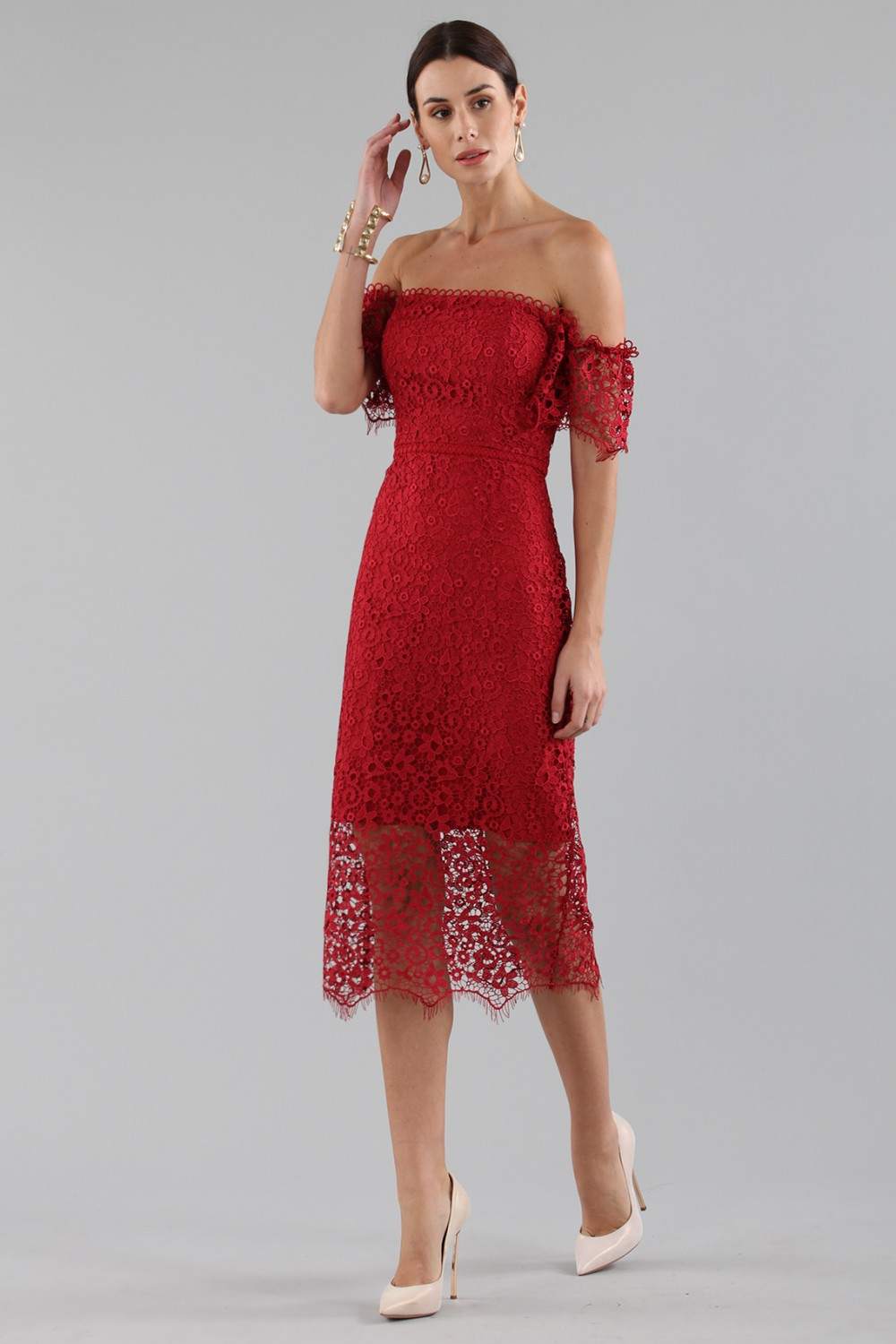 Abito in pizzo off shoulder