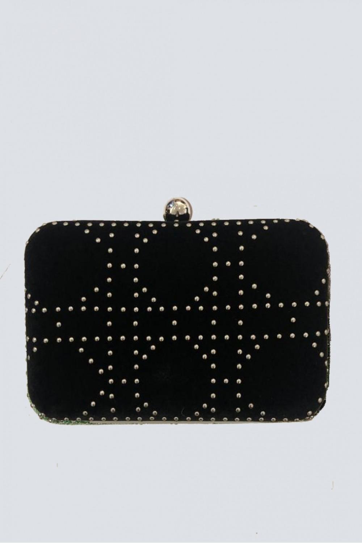 Clutch nera con borchie