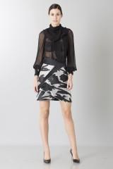 Drexcode - Completo con camicia nera in seta e gonna lavorata - Blumarine - Noleggio - 3