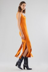 Drexcode - Abito arancione al ginocchio con frange - Chiara Boni - Vendita - 4
