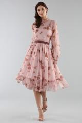 Drexcode - Abito rosa con fantasia floreale e rouches - Luisa Beccaria - Noleggio - 3