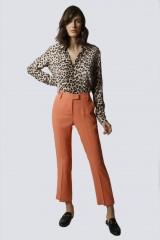 Drexcode - Tailleur pantalone salmone - Giuliette Brown - Noleggio - 2