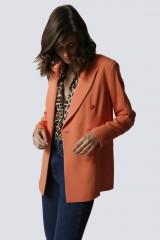 Drexcode - Tailleur pantalone salmone - Giuliette Brown - Noleggio - 3