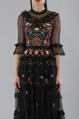 Drexcode - Abito lungo nero in tulle con decori floreali - Needle&Thread - Vendita - 5