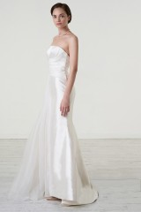 Drexcode - Abito da sposa con drappeggio asimmetrico in mikado - Peter Langner  - Noleggio - 5