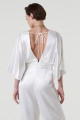 Drexcode - jumpsuit con scollo a V e fascia in vita - Theia - Noleggio - 5
