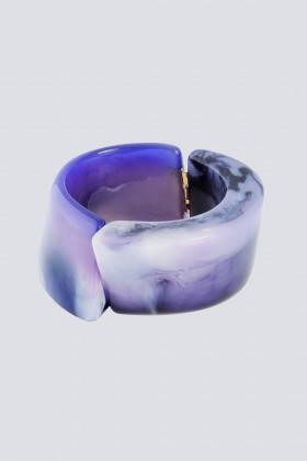 Bracciale in resina viola - Sharra Pagano - Noleggio Drexcode - 1