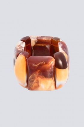 Bracciale in resina marrone - Sharra Pagano - Noleggio Drexcode - 1