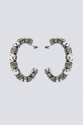 Orecchini a cerchio in metallo e strass - Sharra Pagano - Vendita Drexcode - 1