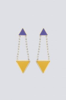 Orecchini triangolo in strass e resina - Sharra Pagano - Noleggio Drexcode - 2