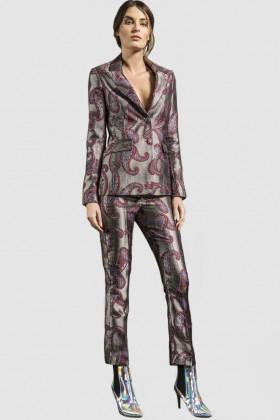 Completo giacca e pantalone con motivo paisley - Giuliette Brown - Noleggio Drexcode - 1