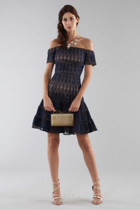 Abito corto in pizzo blu off-shoulder - ML - Monique Lhuillier - Vendita Drexcode - 2