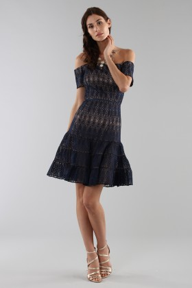 Abito corto in pizzo blu off-shoulderML - Monique Lhuillier