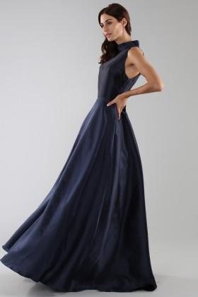 Abito blu con collo alto e scollatura a goccia posteriore - ML - Monique Lhuillier - Noleggio Drexcode - 2