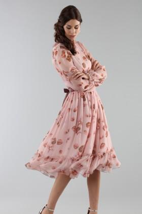Abito rosa con fantasia floreale e rouches - Luisa Beccaria - Noleggio Drexcode - 1