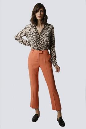 Tailleur pantalone salmone - Giuliette Brown - Noleggio Drexcode - 2