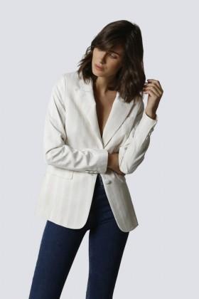 Tailleur bianco a righe - Giuliette Brown - Noleggio Drexcode - 2