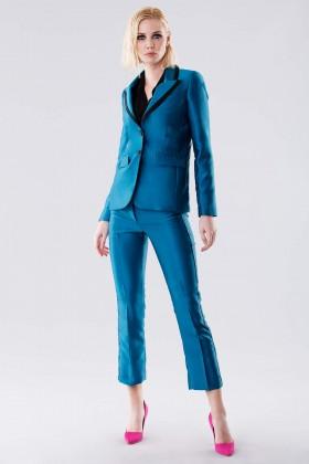 Completo giacca e pantalone turchesi in satin - Giuliette Brown - Noleggio Drexcode - 1