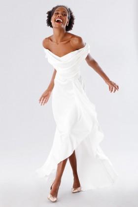 Abito da sposa off shoulder in satin - Kathy Heyndels - Noleggio Drexcode - 2