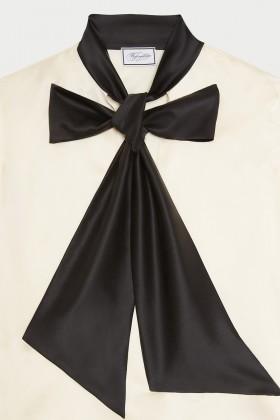 Camicia bianca in seta con fiocco nero - Redemption - Noleggio Drexcode - 1