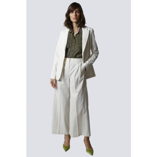 Vendita Abbigliamento Usato FIrmato - Tailleur bianco a righe - Giuliette Brown - Drexcode -1