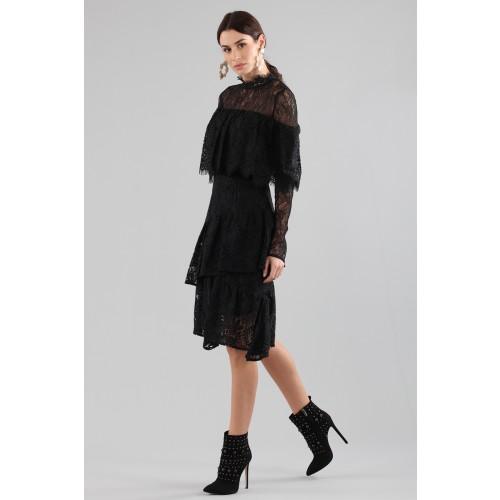 Vendita Abbigliamento Usato FIrmato - Abito corto nero con balze e maniche a mantella - Perseverance - Drexcode -2
