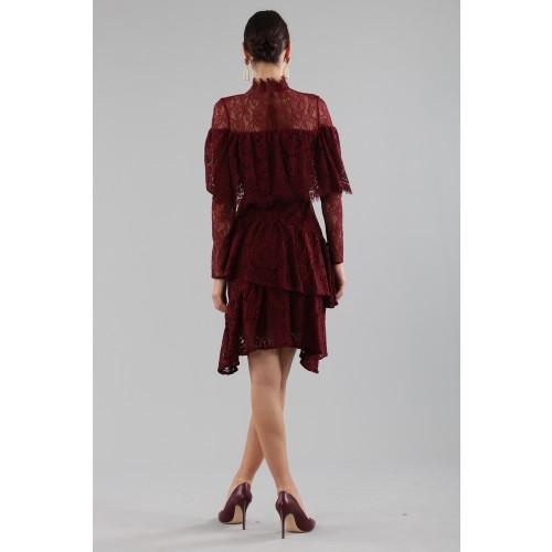 Vendita Abbigliamento Usato FIrmato - Abito corto burgundy con balze e maniche a mantella - Perseverance - Drexcode -7
