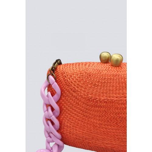 Vendita Abbigliamento Usato FIrmato - Clutch arancione con manico in plastica - Serpui - Drexcode -2