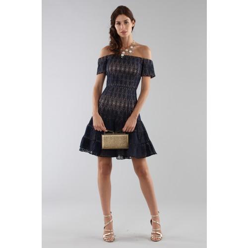 Vendita Abbigliamento Usato FIrmato - Abito corto in pizzo blu off-shoulder - ML - Monique Lhuillier - Drexcode -2
