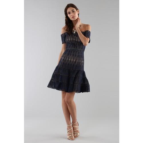 Vendita Abbigliamento Usato FIrmato - Abito corto in pizzo blu off-shoulder - ML - Monique Lhuillier - Drexcode -4