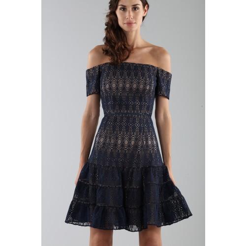 Vendita Abbigliamento Usato FIrmato - Abito corto in pizzo blu off-shoulder - ML - Monique Lhuillier - Drexcode -5