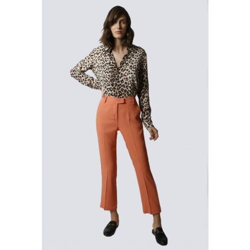 Vendita Abbigliamento Usato FIrmato - Tailleur pantalone salmone - Giuliette Brown - Drexcode -2