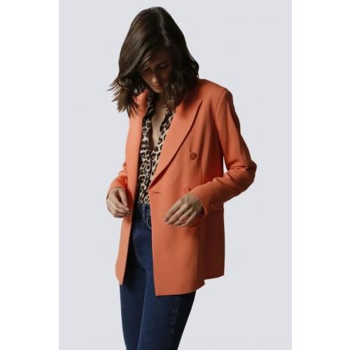 Vendita Abbigliamento Usato FIrmato - Tailleur pantalone salmone - Giuliette Brown - Drexcode -3