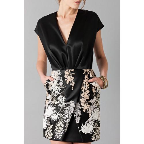 Vendita Abbigliamento Usato FIrmato - Abito nero in techno seta ricamata - Blumarine - Drexcode -4