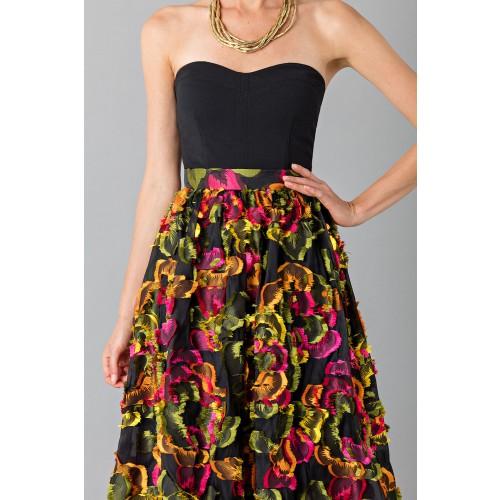 Vendita Abbigliamento Usato FIrmato - Gonna con applicazioni floreali - Blumarine - Drexcode -4