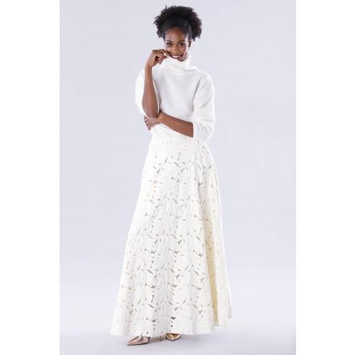 Vendita Abbigliamento Usato FIrmato - Completo bianco con gonna e maglione in cachemire - Paule Ka - Drexcode -4