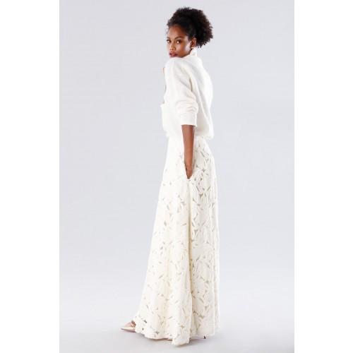 Vendita Abbigliamento Usato FIrmato - Completo bianco con gonna e maglione in cachemire - Paule Ka - Drexcode -5