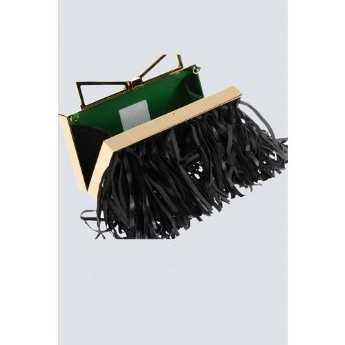 Vendita Abbigliamento Usato FIrmato - Clutch nera con frange - Sara Battaglia - Drexcode -1