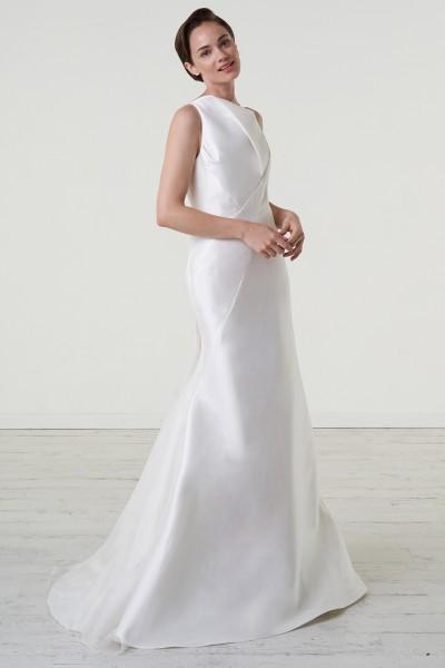 Abito da sposa in magnolia di seta con scollatura asimmetrica