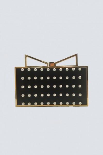Clutch nera con perle