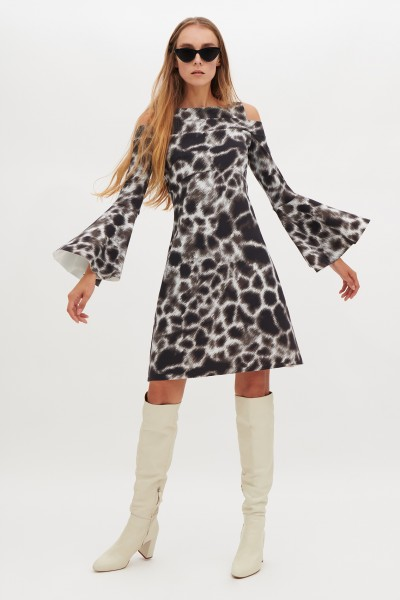 Abito con fantasia giraffa