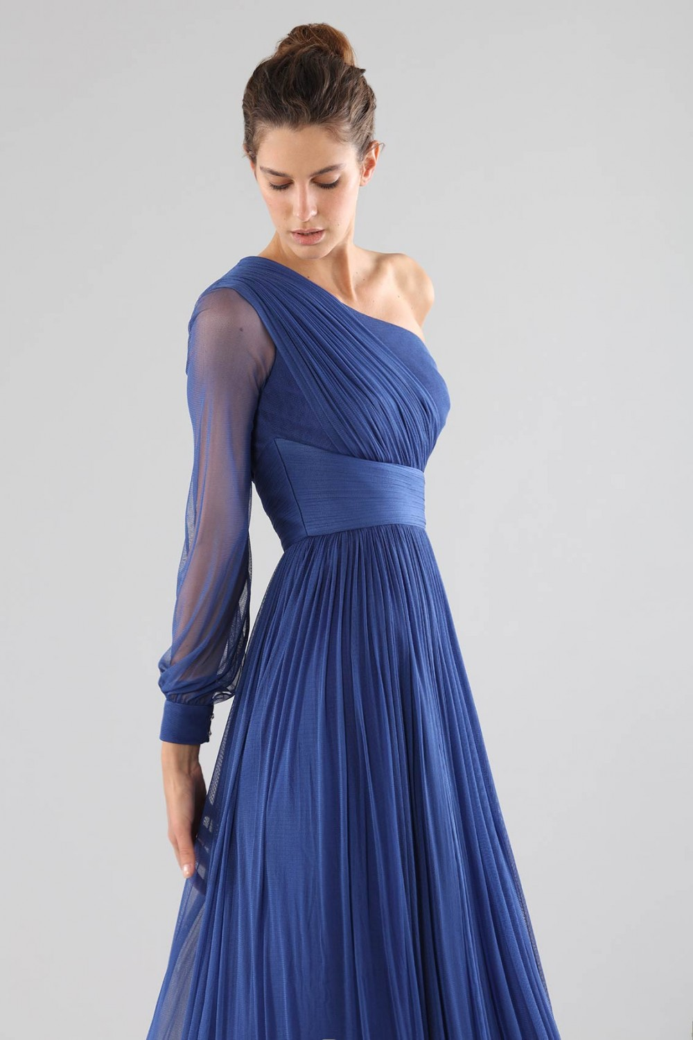 One-shoulder blue dress with long sleeve