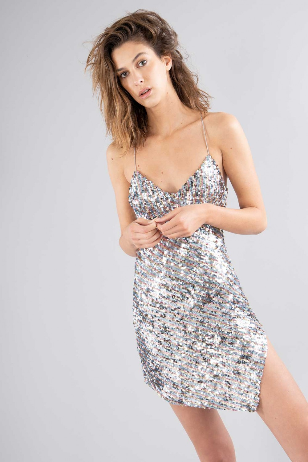 Short sequined dress with high slit