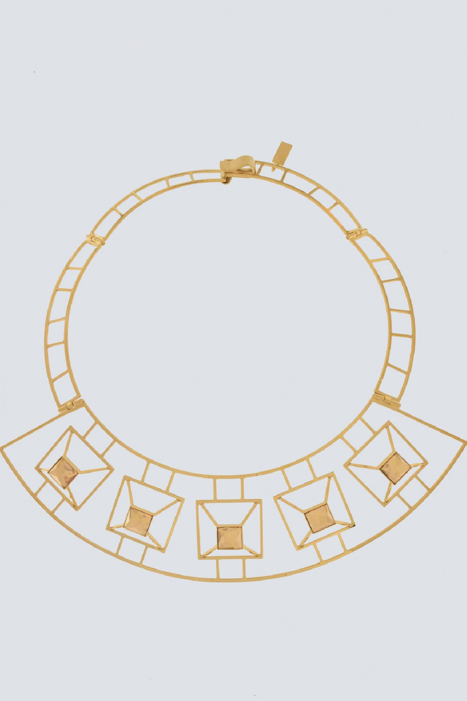 Geometric rigid necklace