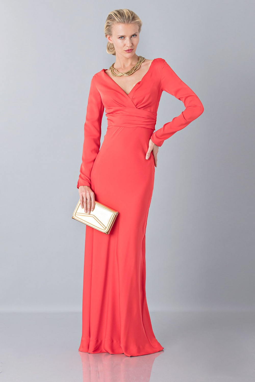Floor-length dress with deep neck